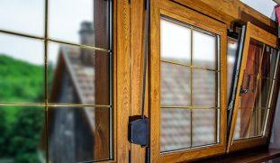 Окна с декоративным переплетом 20