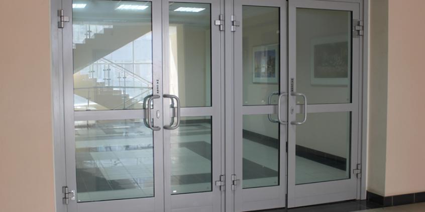 Двери из алюминия Ferestre Termopan MD PRETURI - Usi Ferestre PVC Geamuri Termopane Moldova | Ferestre Salamander Chisinau| Ferestre PVC - Ferestre Steclopachet.